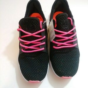 NWT Girls Flare Athletic Shoes Black Neon Pink